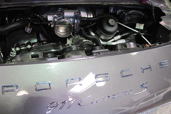 Plunum Intake Installed in Porsche Carrera