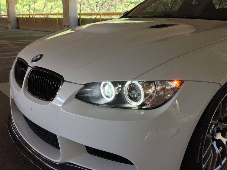 LUX H8 180 LED Angel Eyes Installed on BMW M3 (3)