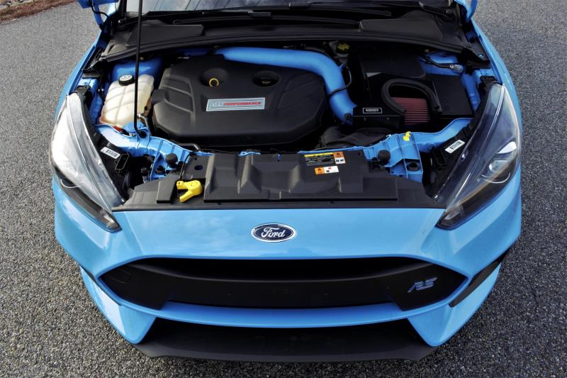 Mishimoto Air Intake Installed on Ford Focus RS (3)