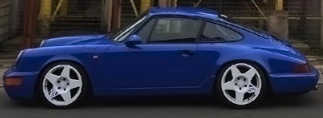Porsche 911 with fifteen52 Tarmac Wheels