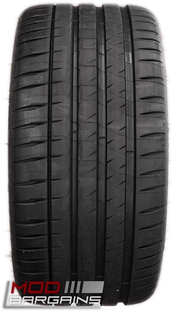 Michelin Pilot Sport 4S Tire Tread