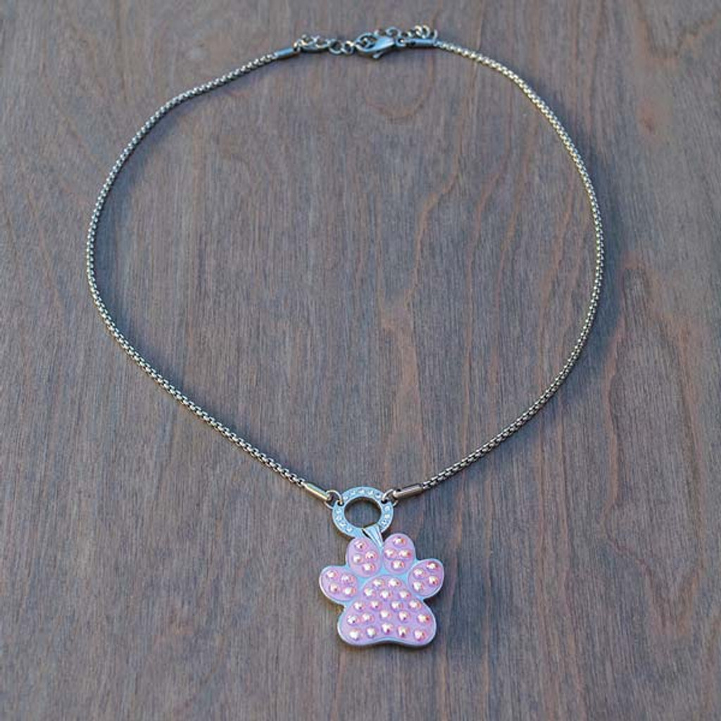 Bella's Basic Base Necklace is part of the Avalee's Glamour Magnetic Collection. Shown with Pink Pawprint magnetic charm.