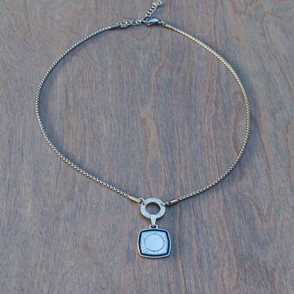 Bella's Basic Base Necklace is part of the Avalee's Glamour Magnetic Collection. Bella's Basic Base magnetic necklace is made with stainless steel and accented with Swarovski® crystals.