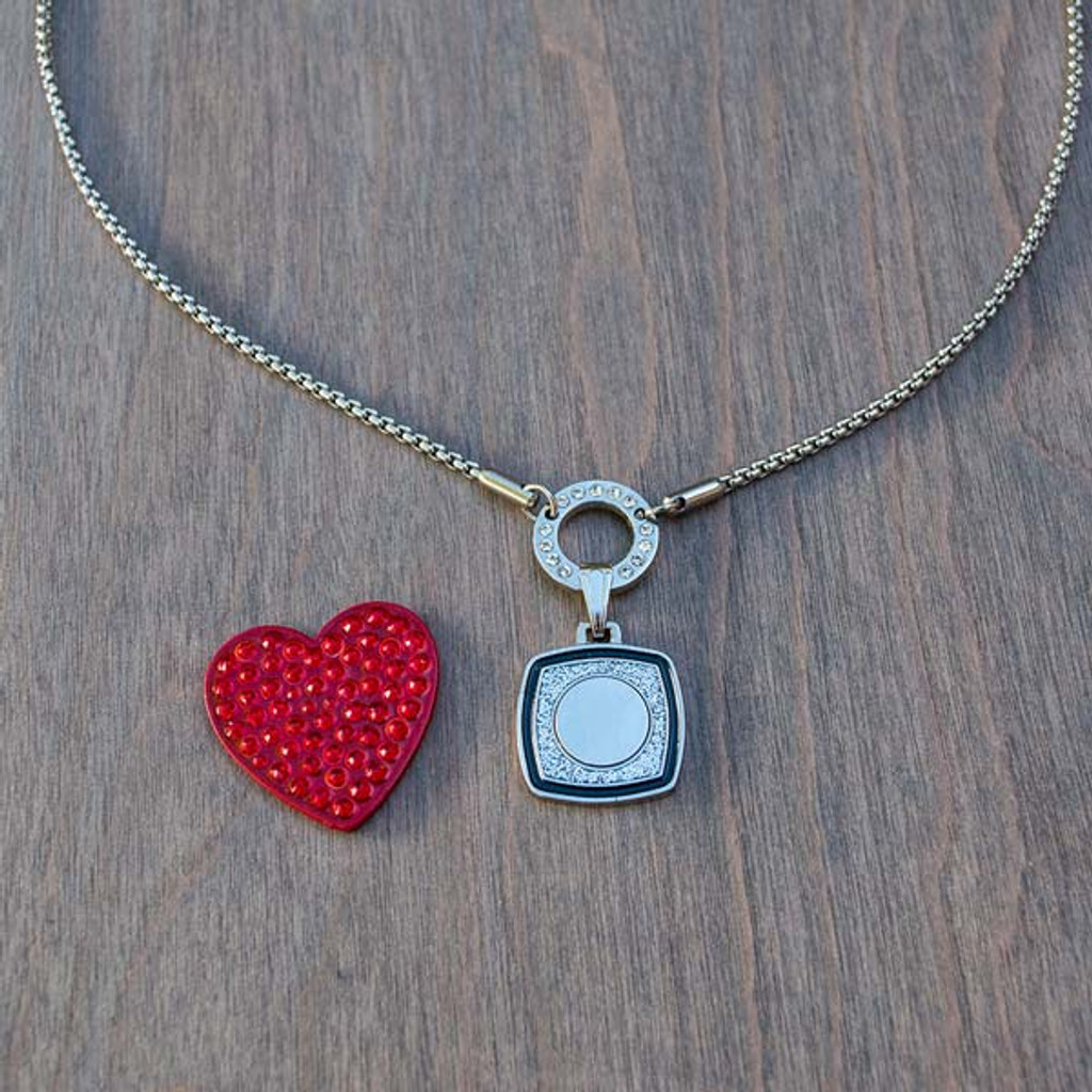 Holly's Heart Magnetic Charm is part of the Avalee's Glamour magnetic collection. It is a red heart shaped charm covered in red crystals for amazing sparkle.