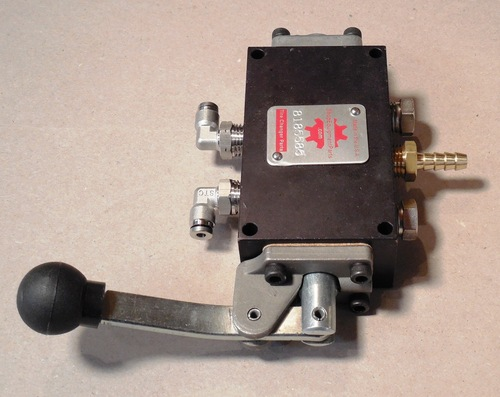 AIR VALVE ASSY.; Helper Arm, Coats brand. 8185757