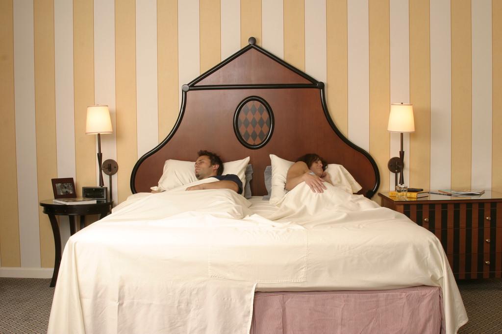 DoubleUps Split Top Sheet Set on the bed!