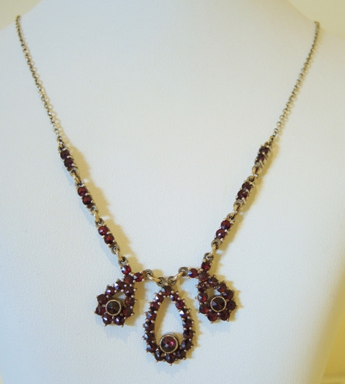 Vintage Genuine G2 Bohemian Garnet Silver Gilt Necklace