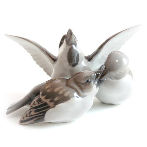 Danish Bing and Grondahl Dahl Jensen 3 Sparrow Figurine 1670 Protection