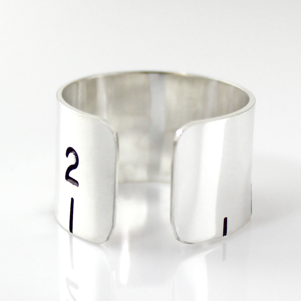 Ruler Cuff Ring Back