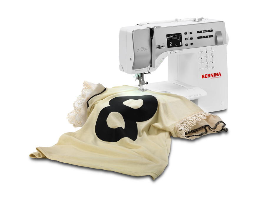 Bernina 350 sewing machine in action