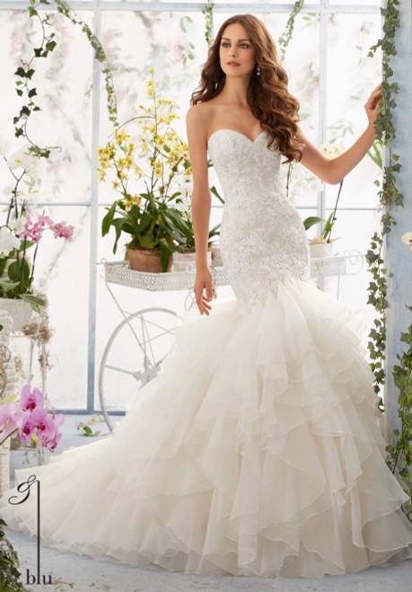 Blu by Morilee Bridal Wedding Dress 5409 Ivory Size 16 on Sale