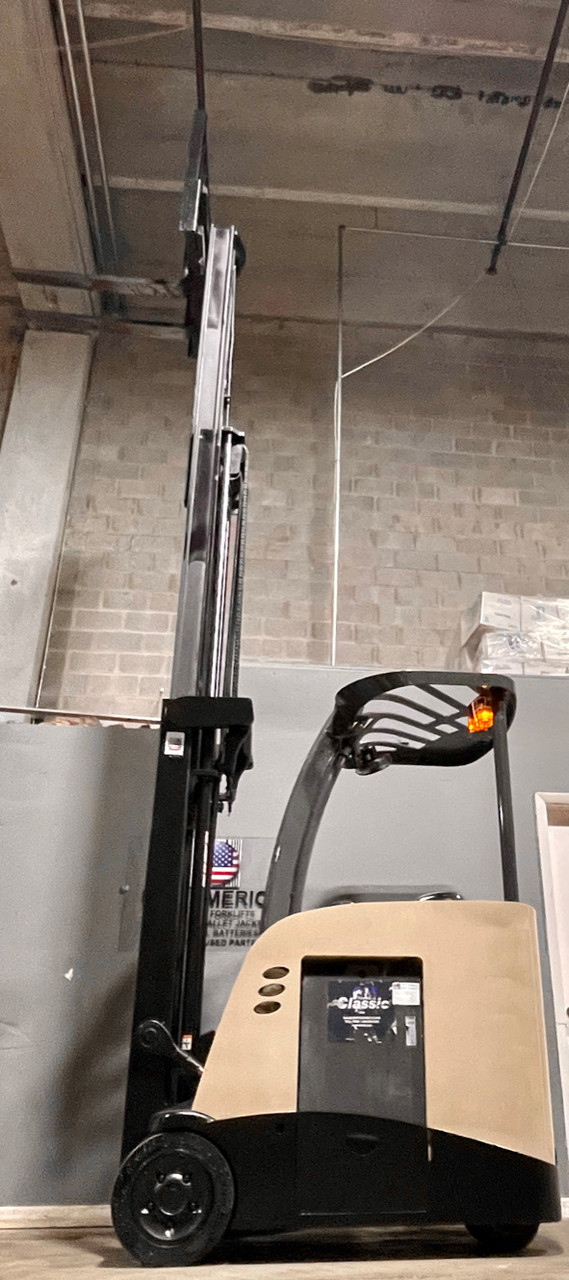 Crown Narrow Aisle Counterbalance Forklift for sale