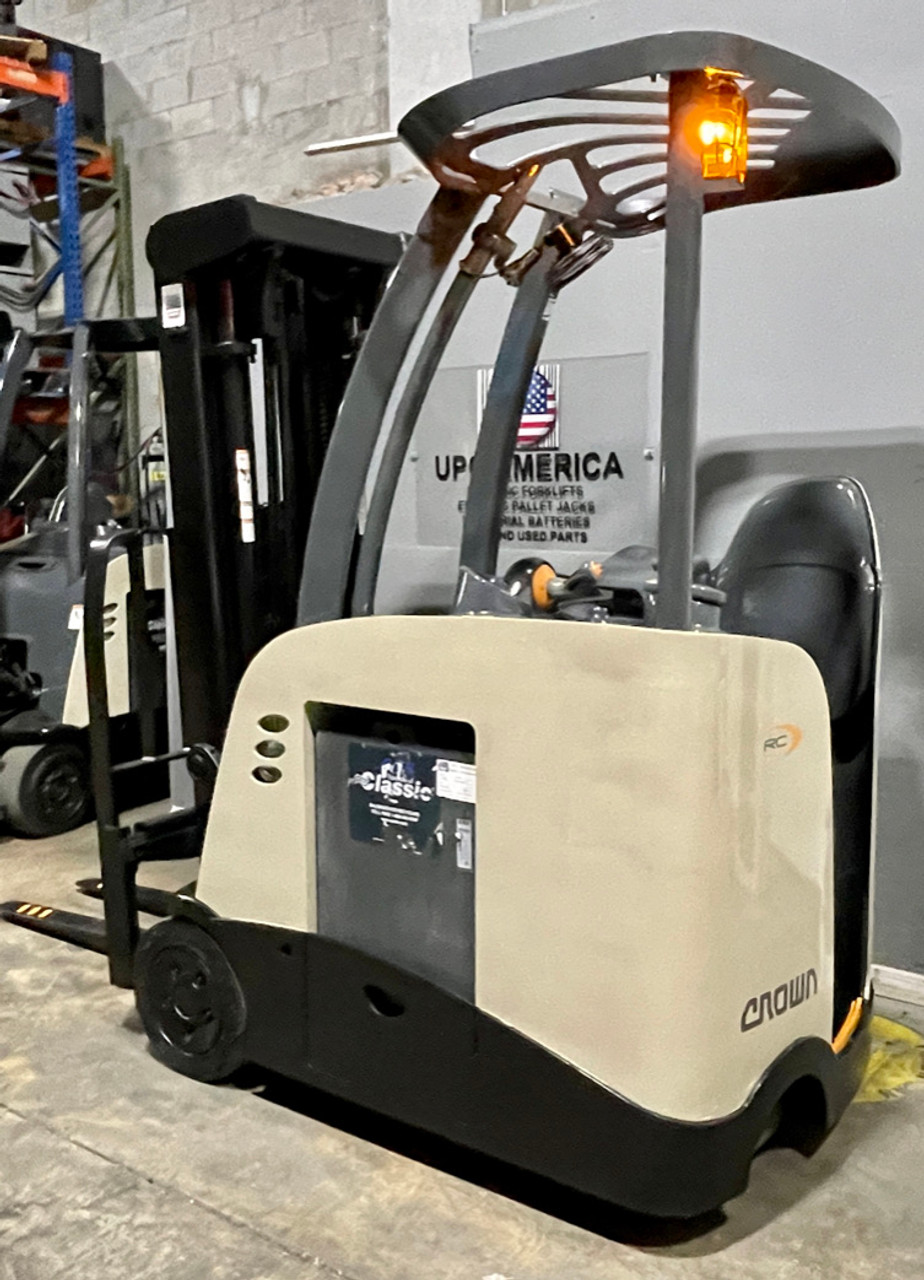 For Sale best electric forklift Crown RC5500 Narrow Aisle