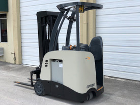 "2010 Crown Electric Forklift RC5530 84"" / 190"" H Cap 3,000 lbs Stock # 7241"