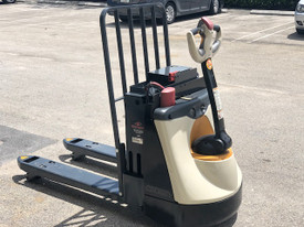 WP3045-45 Electric Pallet Jack 4,500 Lb Capacity 2016 Battery & Charger