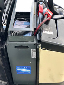 2005 CROWN ELECTRIC WALKIE STACKER 3,750 LB CAPACITY, NEW 2019 24 VOLT GNB INDUSTRIAL BATTERY