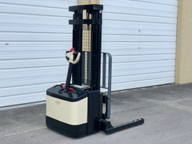Used Electric stacker for sale $5,500.00 Medley, FL