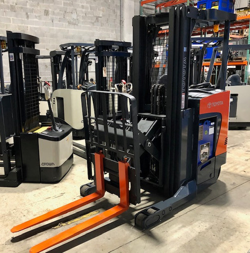 Used Toyota electric reach truck for sale in  Florida