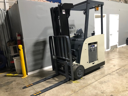 """2008 Crown Narrow Aisle Electric Forklift  84""""/190"""" H Cap 3,000 lbs Stock # 6970"""