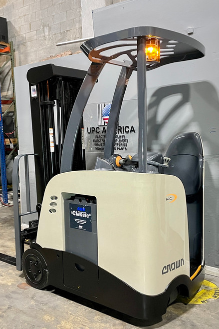 Used Crown Electric Forklift for sale