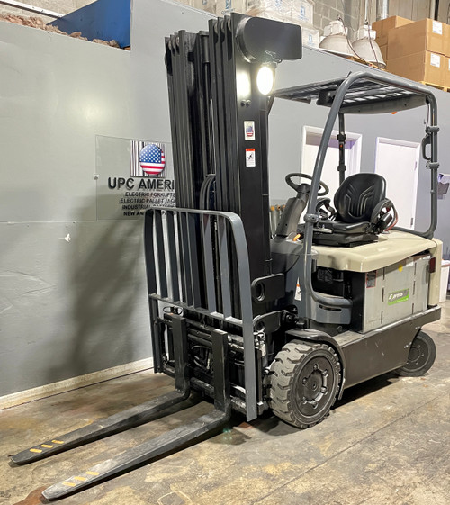 """2016 Crown Electric Sit down Forklift FC5245-50 Height  94""""/276"""" Capacity 5,000 Lbs 0103"""