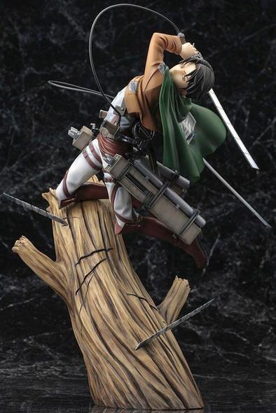 Kotobukiya Kotobukiya ARTFX-J Attack on Titan Shingeki No Kyojin Levi 1/8 Figure