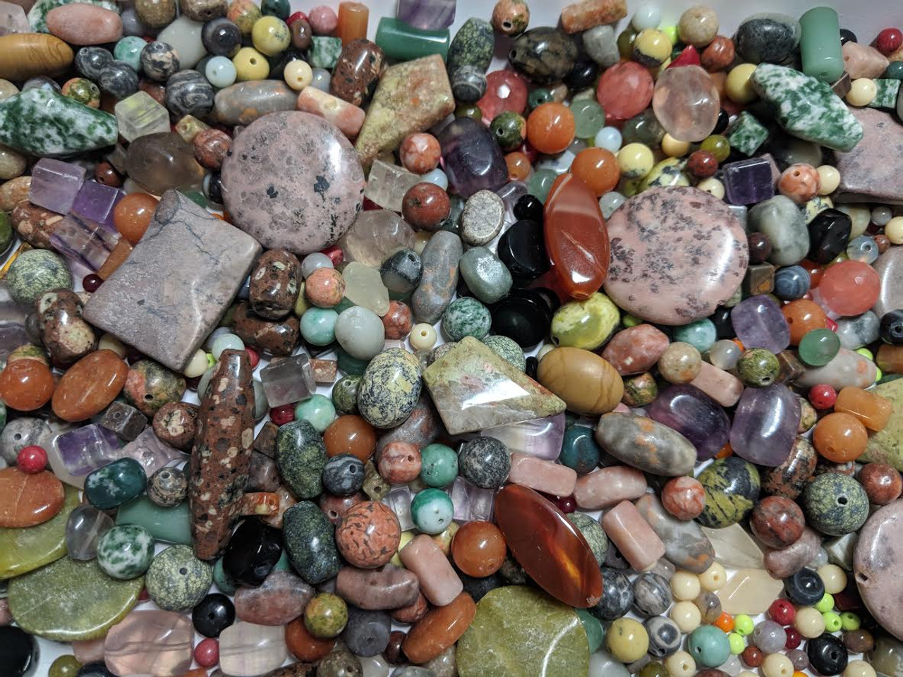 2 lb Mix of Beautiful Stone Beads (Approx. 800 beads)