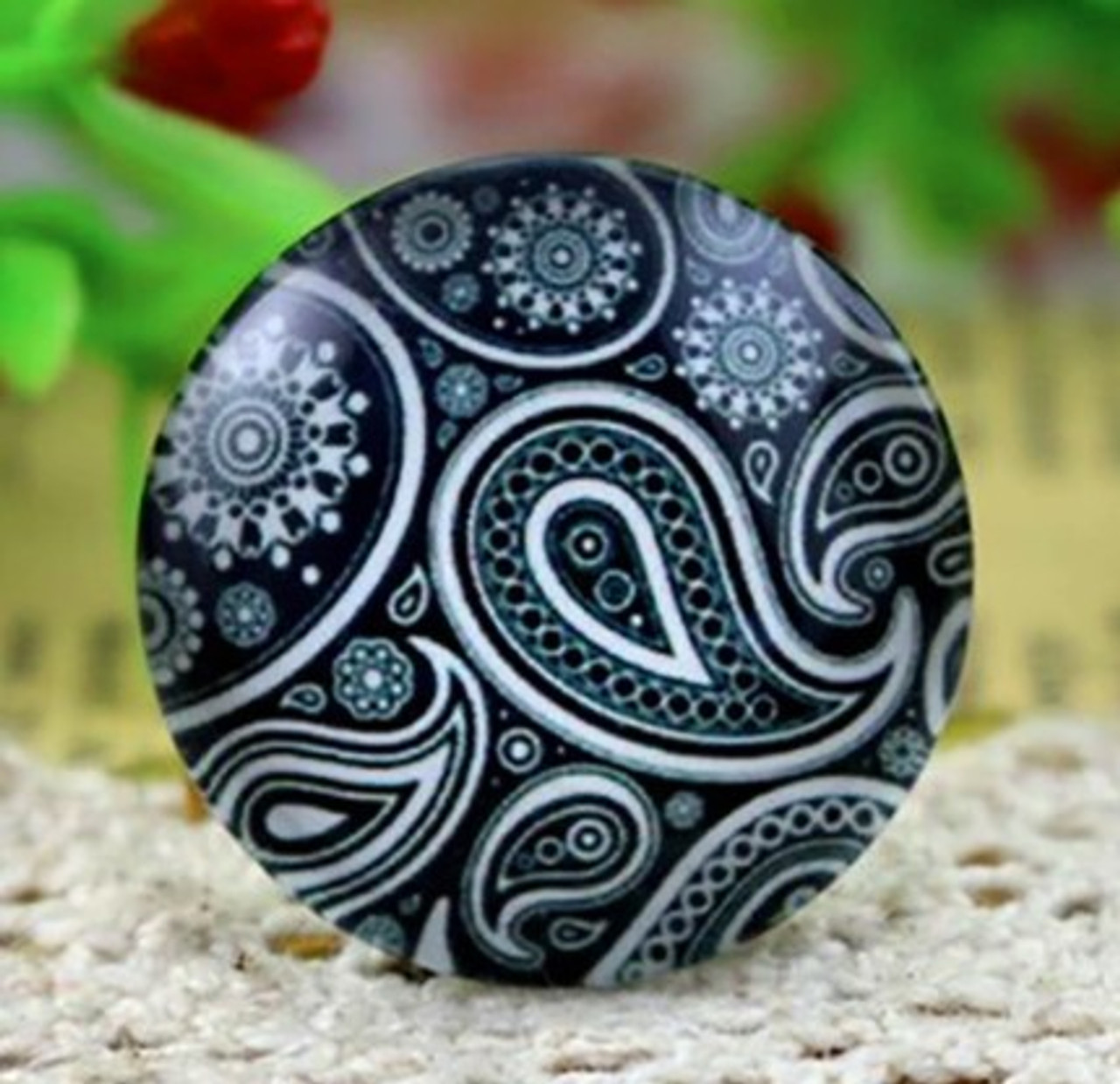 1 Black & Olive Green Paisley 25mm Round Glass Cabochon