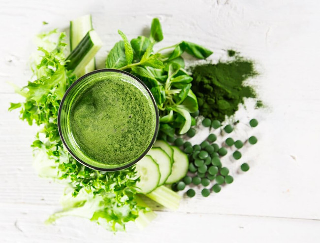 Super Greens for Super Skin [ 5  health-boosting greens ]
