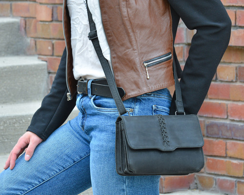Excellent carry purse for a small concealed pistol