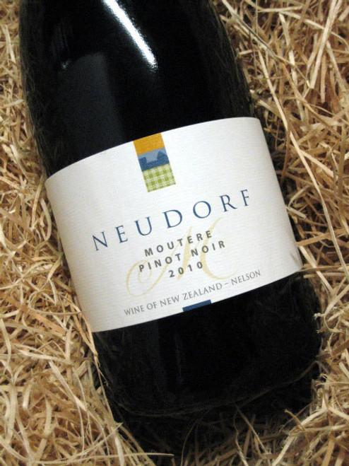 Neudorf Moutere Pinot Noir 2010