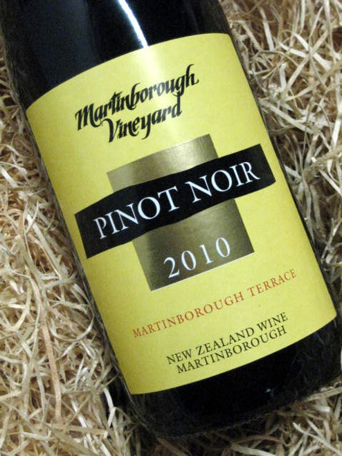 [SOLD-OUT] Martinborough Vineyards Pinot Noir 2010