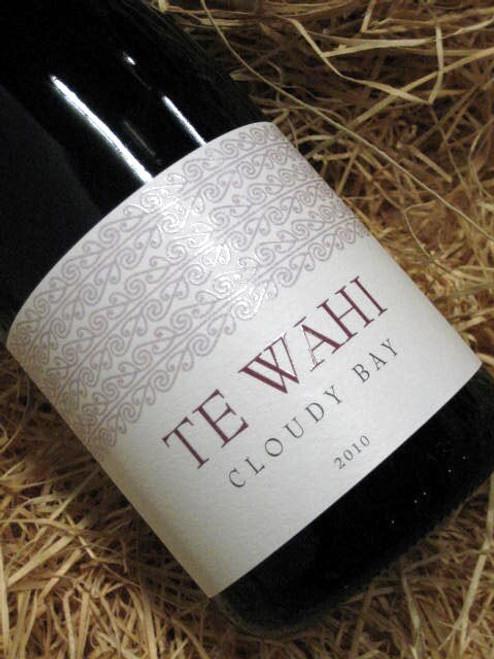 Cloudy Bay Te Wahi Pinot Noir 2010