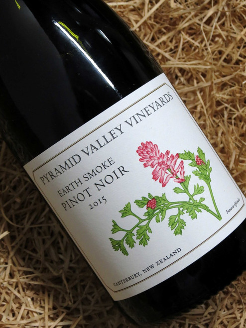 [SOLD-OUT] Pyramid Valley Earth Smoke Pinot Noir 2015