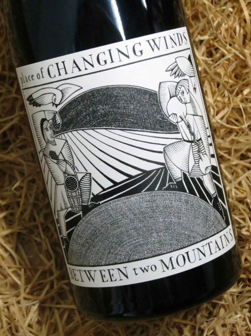 [SOLD-OUT] Place of Changing Winds Between Two Mountains Pinot Noir 2017