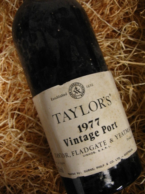 Taylors Vintage Port 1977 Oporto (Minor Damaged Label)