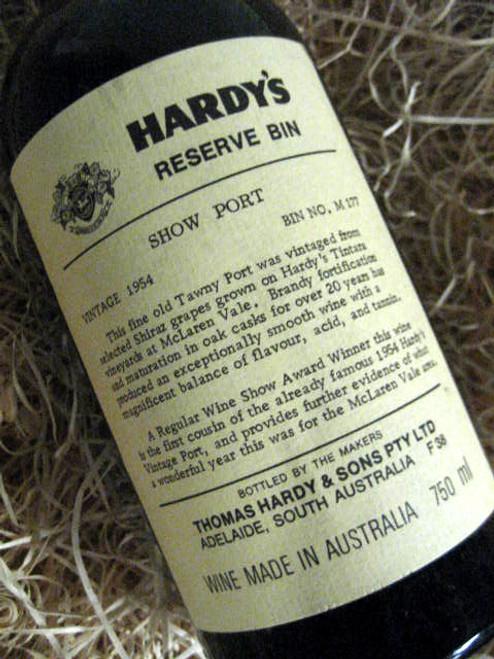 Hardys Show Port 1954 Bin M177 (Minor Damaged Label)