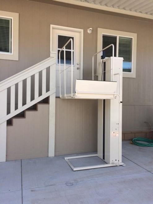 Mac's Vertical Home Lift PL-72
