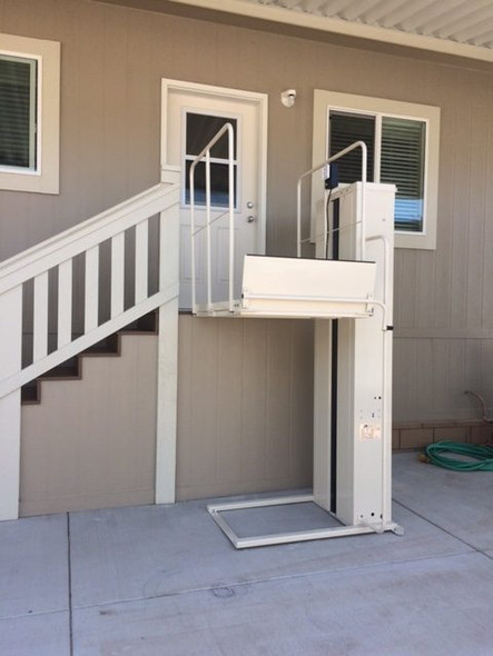 Mac's Vertical Home Lift PL-72