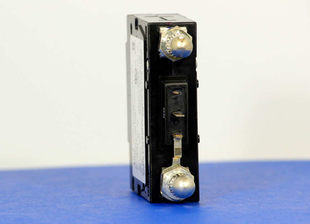 D2ALX20061 (1 Pole, 15A, 80VDC, Plug-In Terminals, Series Mid-Trip w/alarm, UL Listed (UL 489))