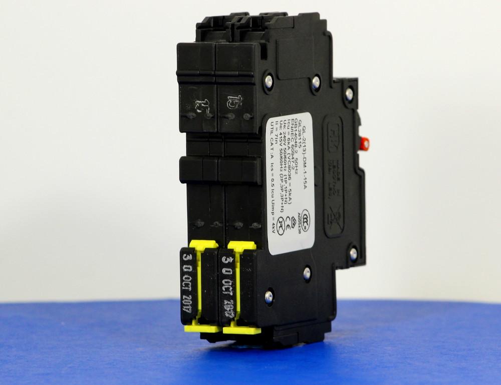 QL28115 (2 Pole, 15A, 120/240VAC; 240VAC, UL Listed (UL 489))