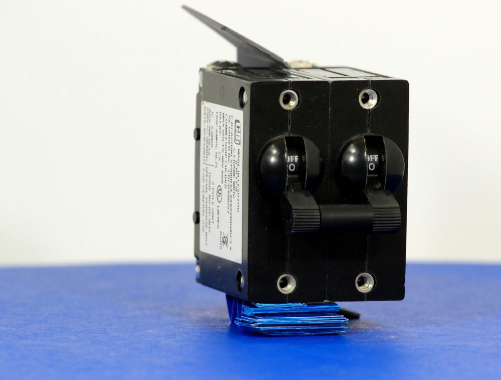 CBCBXA0253 (2 Pole, 15A, 80VDC, Screw Terminal, Series Trip W/ Aux., UL Listed (UL 489))