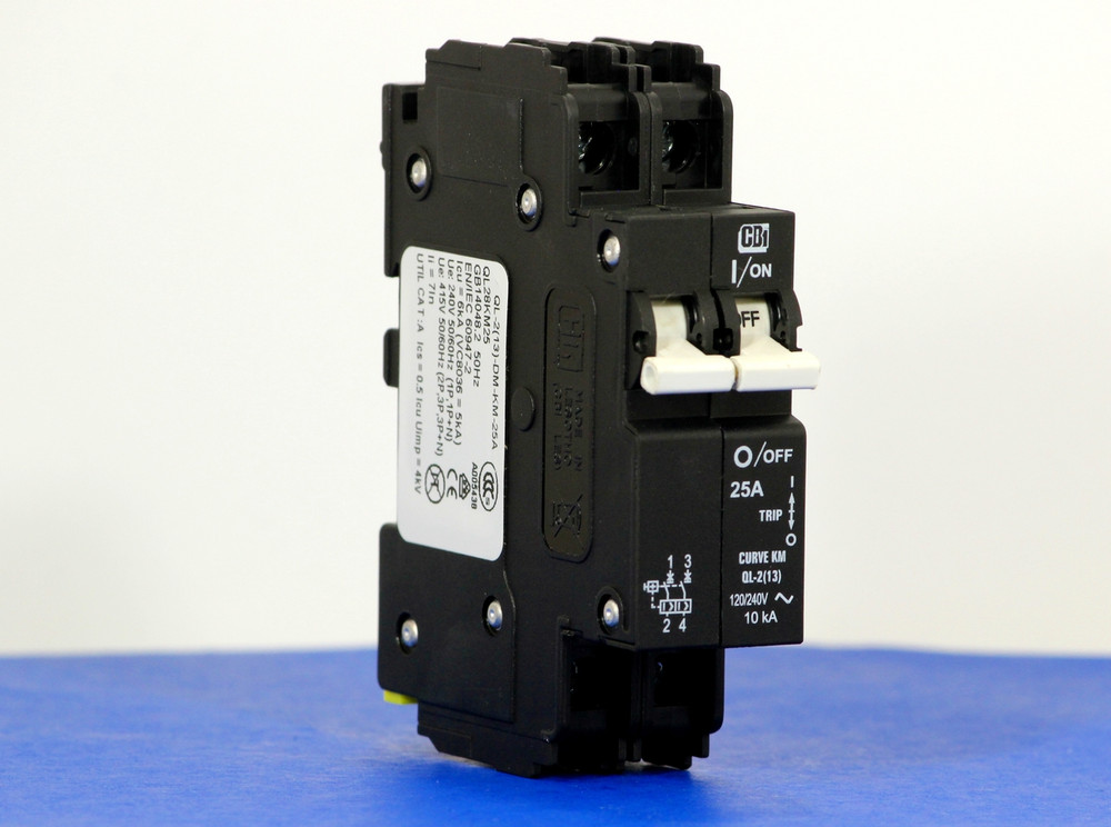 QL28KM25 (2 Pole, 25A, 120/240VAC; 240VAC, UL Listed (UL 489))
