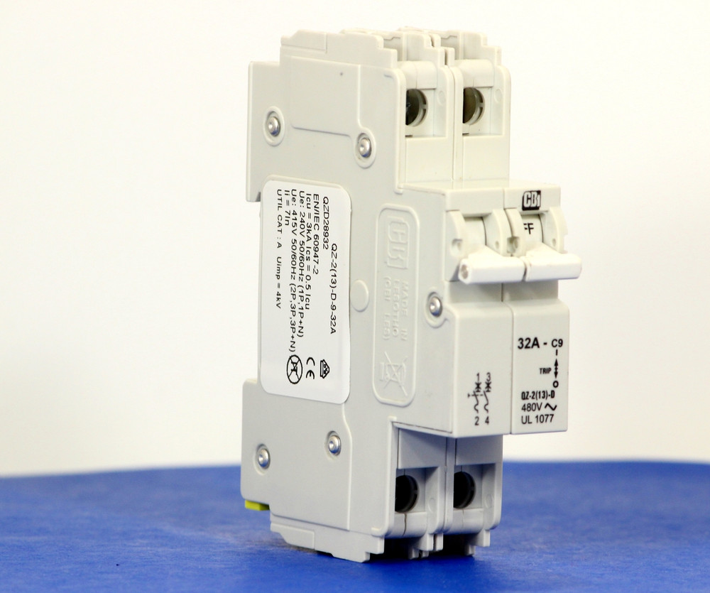 QZD28932 (2 Pole, 32A, 277/480VAC, UL Recognized (UL 1077))