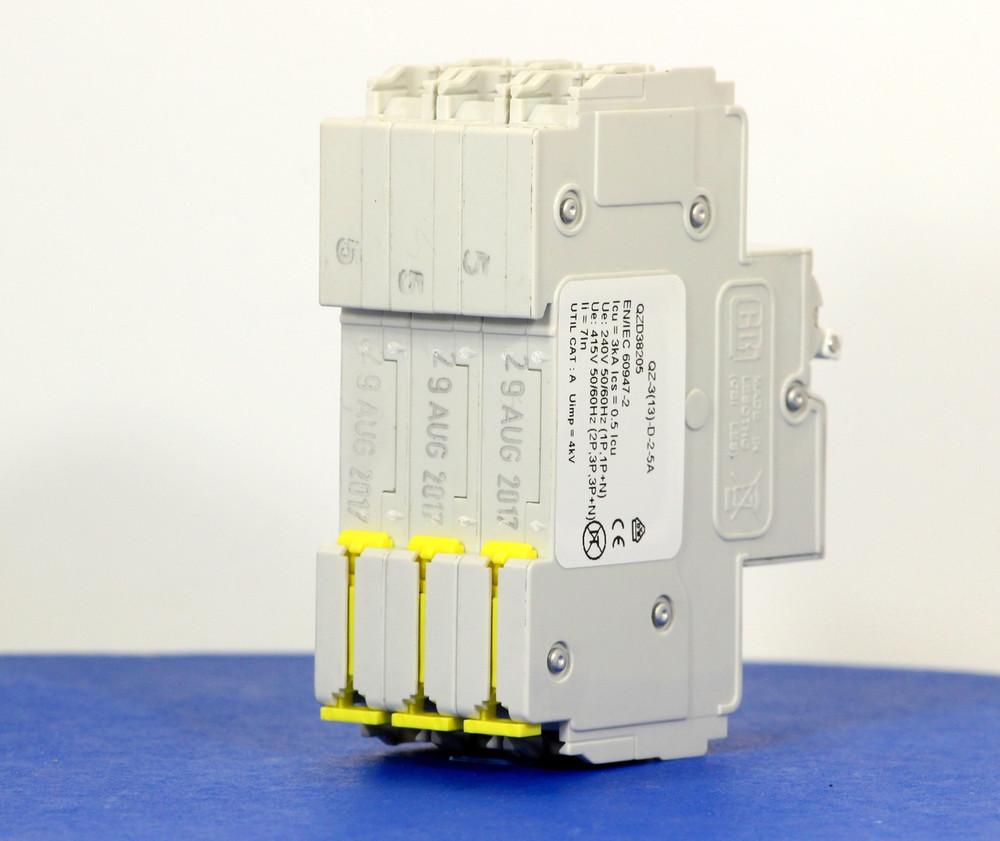 QZD38205 (3 Pole, 5A, 277/480VAC, UL Recognized (UL 1077))