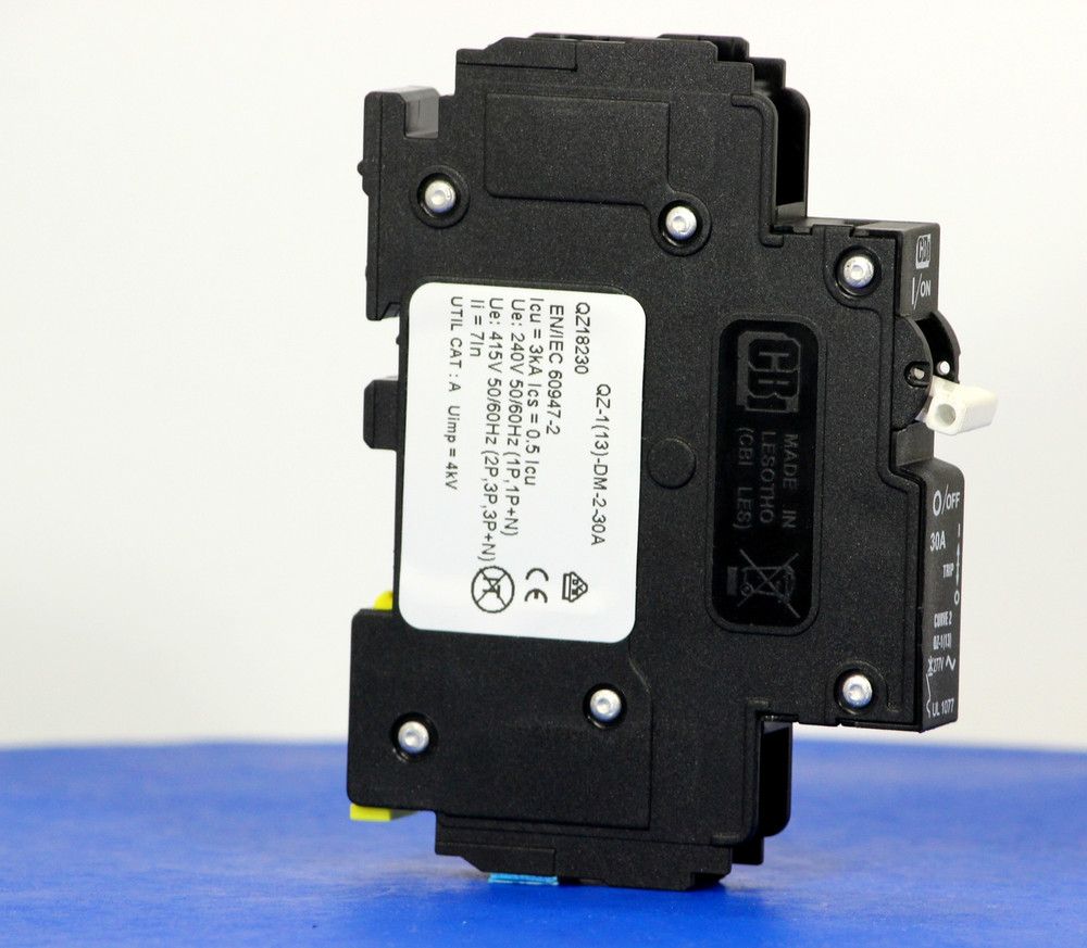 QZ18230 (1 Pole, 30A, 277VAC, UL Recognized (UL 1077))