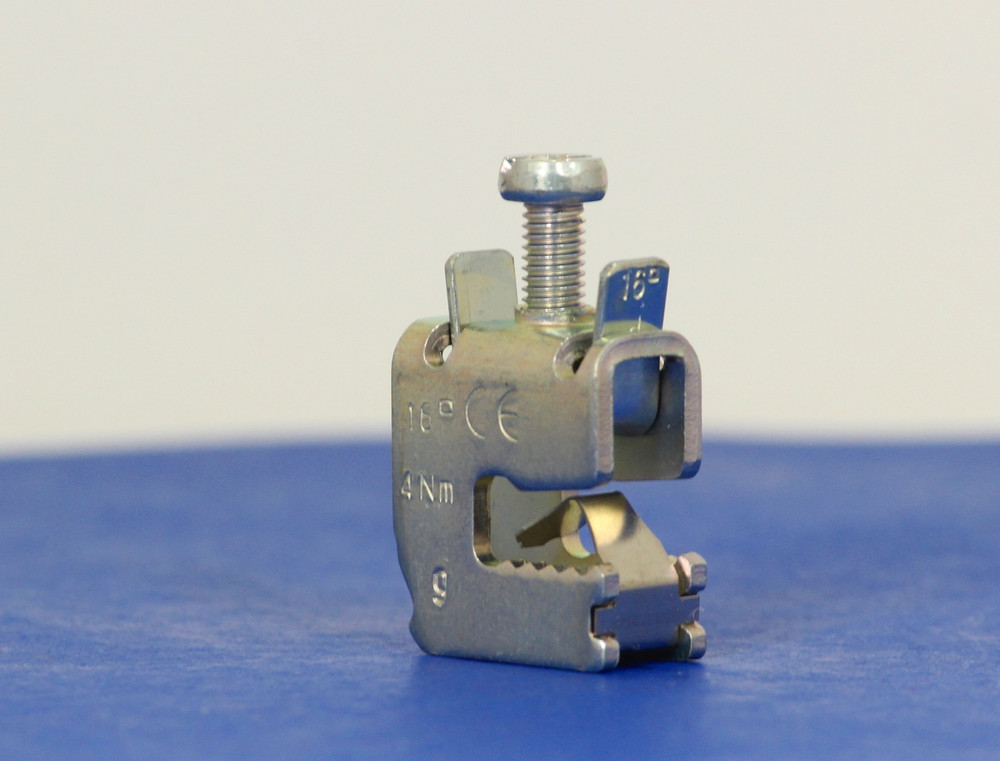 01284 (Small Conductor Terminal, 1.5-16 mm^2, AWG 14-6, flat busbars 5 mm)