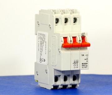 QZD38101 (3 Pole, 1A, 277/480VAC, UL Recognized (UL 1077))