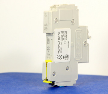 QYD18U210B0 (1 Pole, 10A, 80VDC, UL Listed (UL 489))