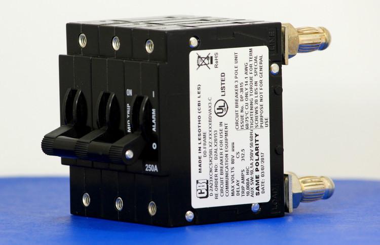 D2ALX20153 (3 Pole, 250A, 80VDC, Plug-In Terminals, Series Mid-Trip w/alarm, UL Listed (UL 489))